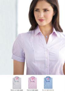 Camicia da divisa in poliestere e cotone con bottoni coperti. Abbigliamento da receptionist, hostess, hotellerie. Richiedi un preventivo gratuito.