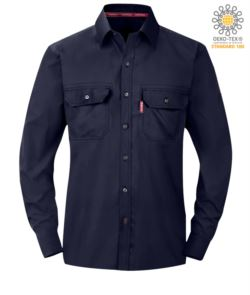 Camicia ignifuga, polsini con bottoni regolabili, tasche sul petto, colore blu navy. Certificato ASTM F1506-10a, NFPA 2112, NFPA 70E, EN 11612:2009, ASTM F1959-F1959M-12