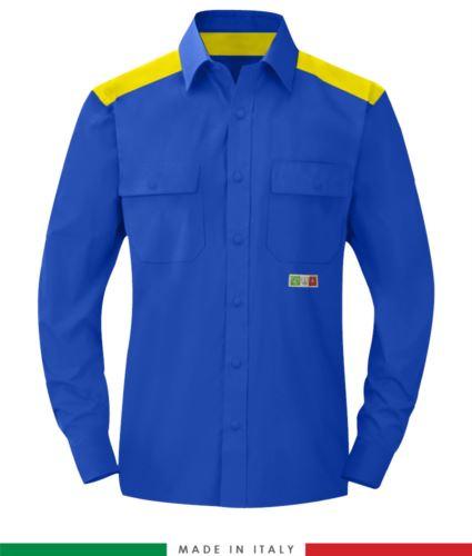 Camicia trivalente bicolore, chiusura con bottoni a pressione, due tasche sul petto, inserti colorati su spalle e interno collo, certificata EN 1149-5, EN 13034, UNI EN ISO 14116:2008, colore azzurro royal e giallo