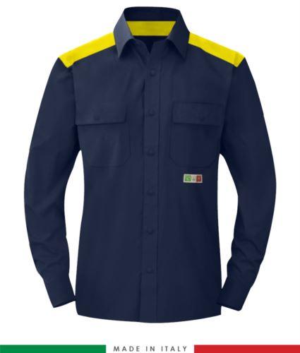 Camicia trivalente bicolore, chiusura con bottoni a pressione, due tasche sul petto, inserti colorati su spalle e interno collo, certificata EN 1149-5, EN 13034, UNI EN ISO 14116:2008, colore blu navy/giallo