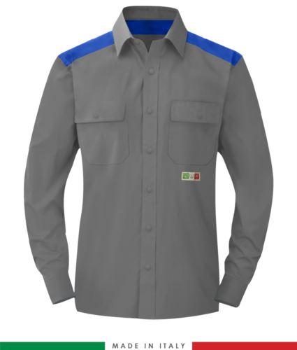 Camicia trivalente bicolore, chiusura con bottoni a pressione, due tasche sul petto, inserti colorati su spalle e interno collo, certificata EN 1149-5, EN 13034, UNI EN ISO 14116:2008, colore grigio/azzurro royal