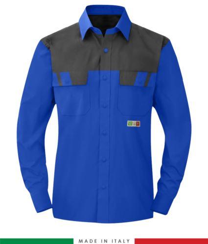 Camicia trivalente bicolore, maniche lunghe, due tasche sul petto, Made in Italy, certificata EN 1149-5, EN 13034, EN 14116:2008, colore azzurro royal/grigio