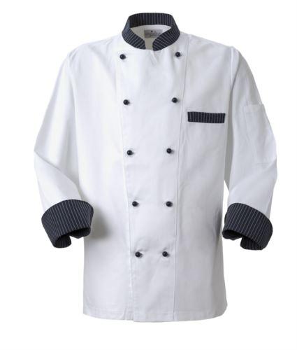 Giacca cuoco, chiusura anteriore bottoni doppio petto, taschino lato sinistro, manica a 3/4, colore bianco-gessato blu