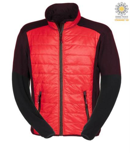 Giacca slim fit Uomo, con materiale misto: pile e imbottitura primaloft, colletto alto rigido. Zip lunga frontale in contrasto. Colore: Rosso e Nero.
