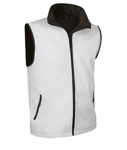 gilet in soft shell a zip lunga in poliamide ed elastane e fodera in micropile. Colore bianco.