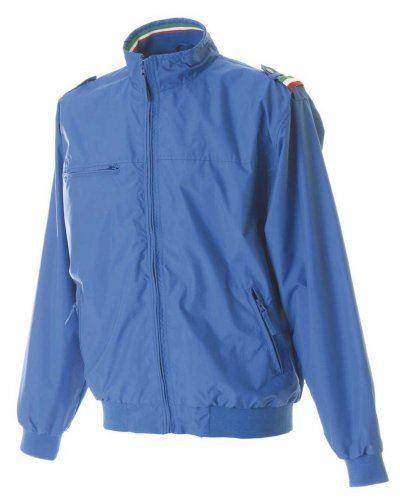 Giubbino nylon taslon con profilo tricolore, una tasca sul petto con zip, due tasche esterne con zip, una tasca interna, polsini e fascia in maglia elasticizzata, colore azzurro royal