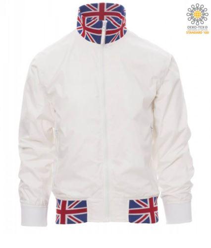 Giubbino non imbottito in nylon con tessuto drytech; colletto, polsini e vita in rib con colori bandiera. Colore Bianco con bandiera UK