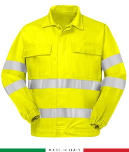 Giubbino trivalente, polsini con elastico, dobbia banda rifrangente su petto e sulle maniche, due tasche sul petto, certificata EN 20471, EN 1149-5, EN 13034, UNI EN 531:97, colore giallo