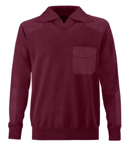 Maglione uomo collo alto, zip corta, toppe spalle e gomiti, taschino con patella, tessuto 100% acrilico, colore granata