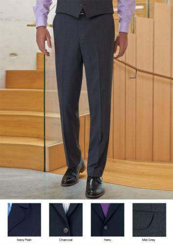 Pantalone elegante uomo modello dal taglio sartoriale, due tasche a filetto, tessuto in lana e poliestere con trattamento antimacchia. Ottieni un preventivo gratuito.