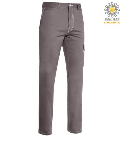Pantalone da lavoro multitasche con cuciture a contrasto. Colore grigio