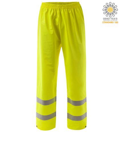 Pantaloni ignifugo ad alta visibilità, fondo regolabile con bottone, doppia banda su fondo gamba, elastico in vita, certificato EN 343:2008, UNI EN 20471:2013, EN 1149-5, EN 13034, UNI EN ISO 14116:2008, colore giallo