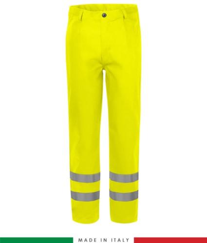 Pantalone trivalente, tasche a filetto e due tasche posteriori, doppia banda su fondo gamba, Made in Italy, certificato EN 20471, EN 11611, EN 1149-5, EN 13034, CEI EN 61482-1-2:2008, EN 11612:2009, colore giallo