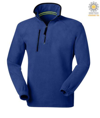 Pile zip corta, due tasche con un taschino chiuso con zip. Colore: Azzurro Royal