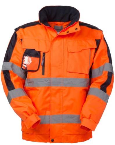 Pilot alta visibilità con maniche staccabili, portabadge, cappuccio a scomparsa, dobbia banda su maniche e girovita, certificata EN 343, EN 20471. Colore Arancione