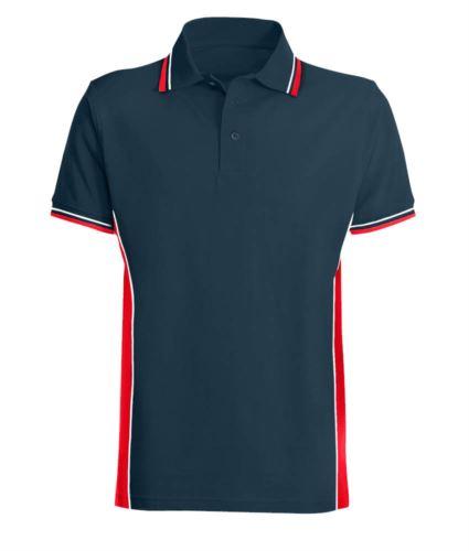 Polo manica corta bicolore con doppio piping bicolore su colletto, fondo manica e fascia laterale. Colore blu/rosso