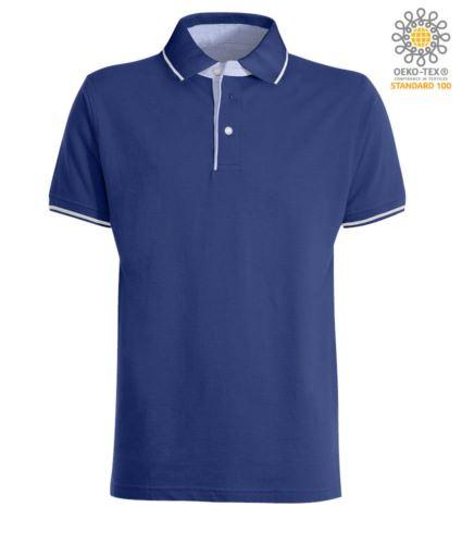 Polo manica corta bicolore, interno collo e fessino in Oxford celeste, colletto e maniche con dettaglio in contrasto. Colore Azzurro Royal / Bianco
