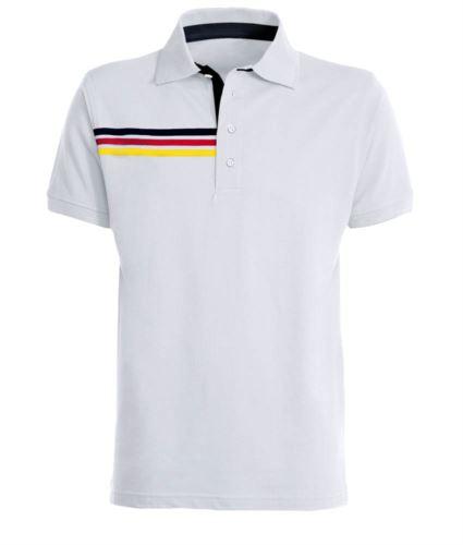 Polo manica corta con dettaglio tricolore sul petto destro, fascia interno collo e fessino in contrasto. Colore bianco - Germania