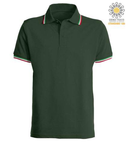 Polo manica corta con profilo tricolore sul colletto e fondo manica, in cotone. Colore verde