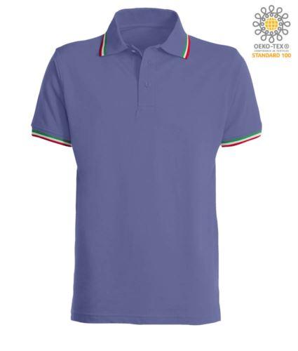 Polo manica corta con profilo tricolore sul colletto e fondo manica, in cotone. Colore viola chiaro