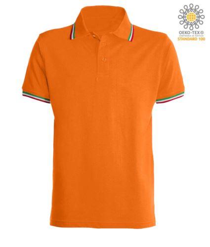 Polo manica corta con profilo tricolore sul colletto e fondo manica, in cotone. Colore arancione