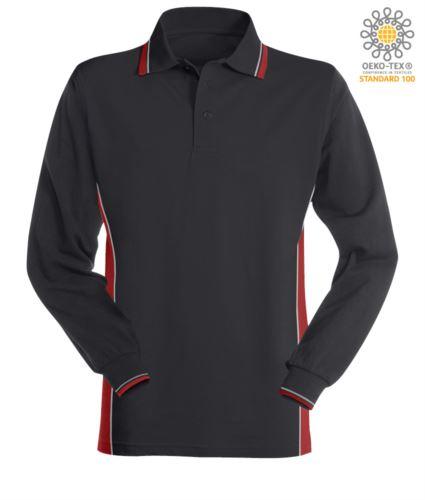 Polo manica lunga bicolore, doppio piping sul colletto, polsini e fascia laterale. Colore blu navy/rosso
