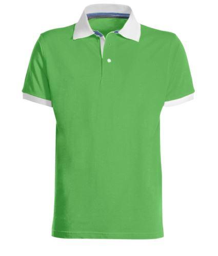 Polo da lavoro bicolore in cotone, colletto e fondo manica in contrasto, colore verde chiaro