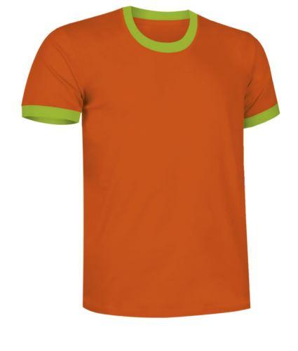 T-Shirt a maniche corte in cotone ring spun, girocollo e fondo manica in contrasto, colore arancione e verde