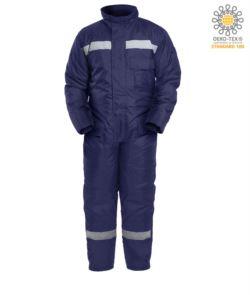 Tuta intera celle frigo, massima protezione dal freddo, tasche posteriori oversize, tasca sul petto, rinforzo sulle ginocchia, colore blu. Certificato CE, EN 342:2004